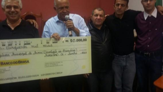 CÂMARA MUNICIPAL DE MIRAÍ DEVOLVE R$50.000,00 (CINQUENTA MIL REAIS) À PREFEITURA