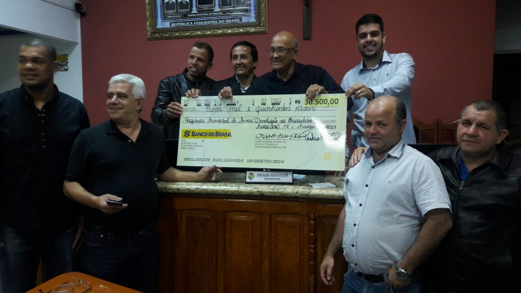Legislativo Municipal devolve R$30.500,00 à Prefeitura Municipal de Miraí