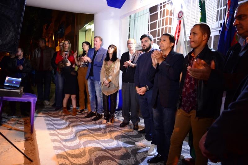 O presidente da Câmara de Miraí, Almir Alves de Araújo, e o  vereador, Ricardo Balbino Duarte, estiveram presentes na inauguração do instituto Ricardo Dias.